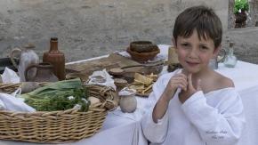A PRIMEE  2016 05 15 C Di Campement médiéval au pied du chateau de DURAS)